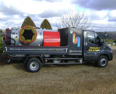Camionnette de debouchage de canalisations